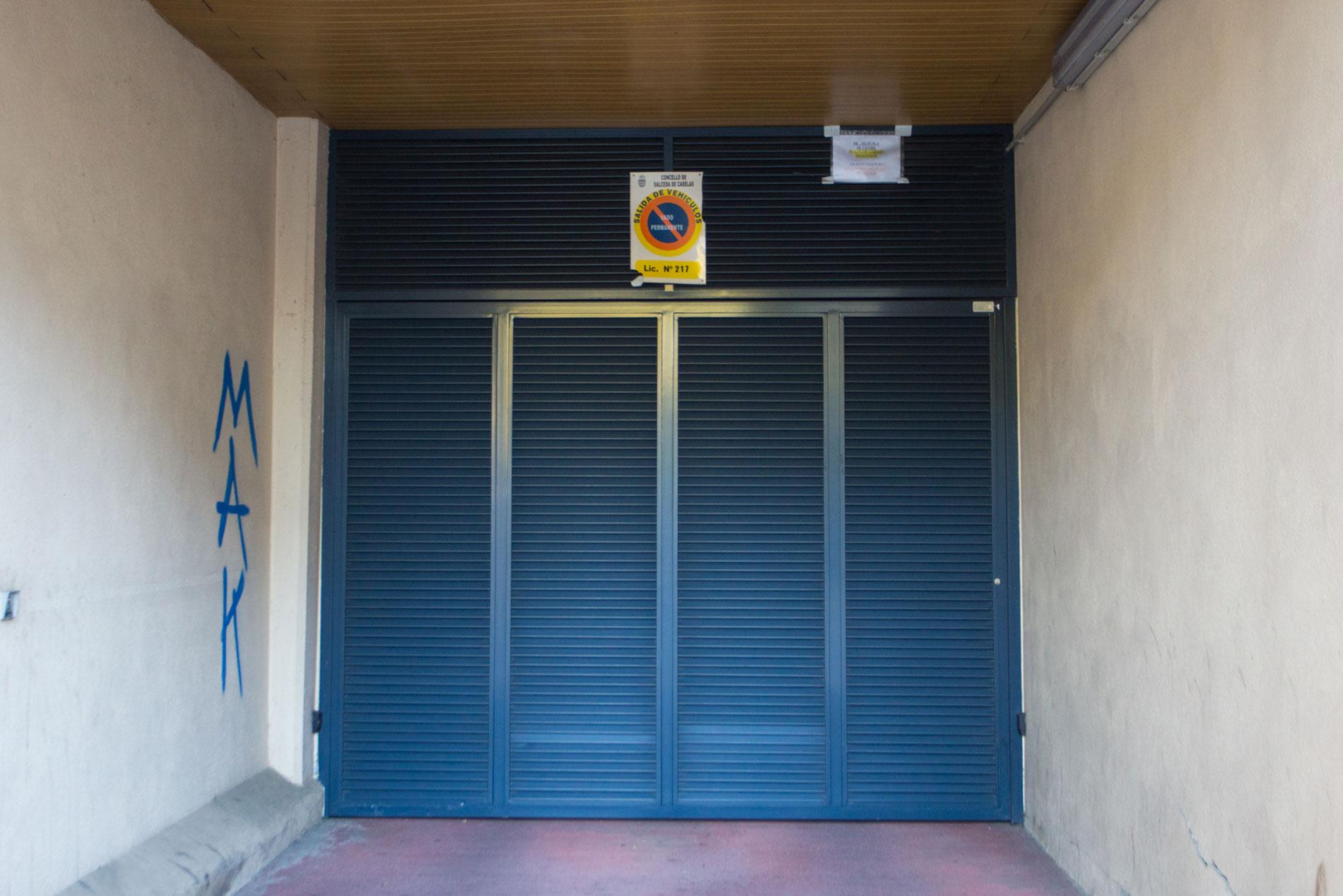Puerta garaje mayorquina